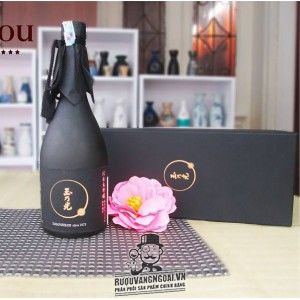 Rượu Sake Junmai Daiginjo Black Label 720 ML